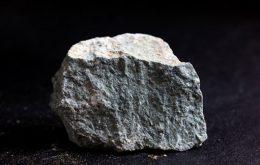 دانلود فایل صدای ریختن صخره